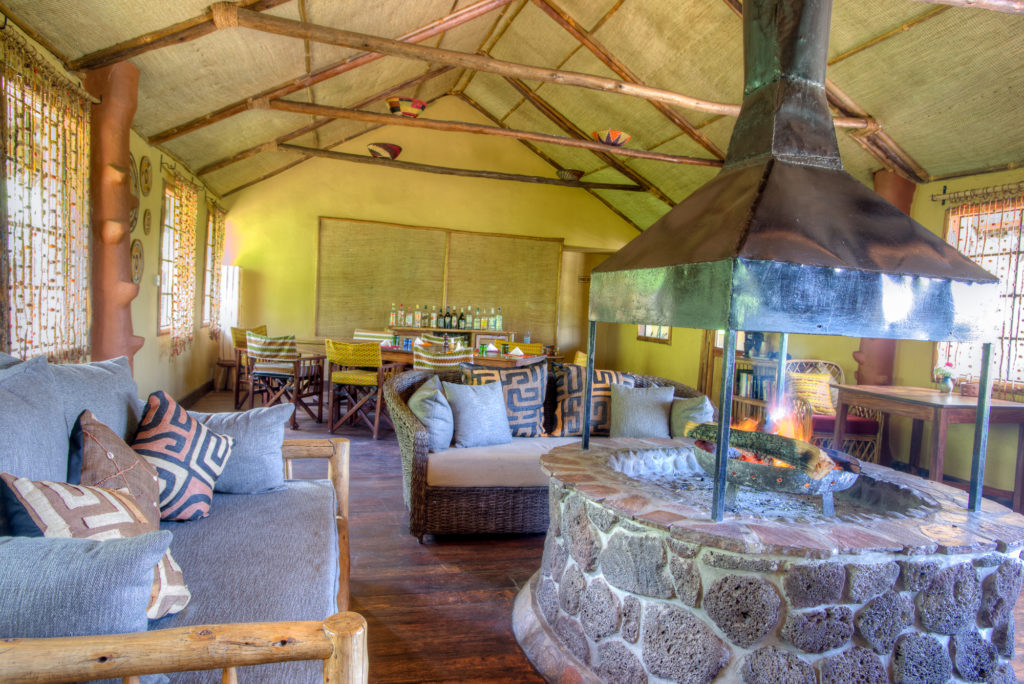 Randazoo-Gahinga Lodge-2015052 (1)